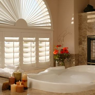Minneapolis bathroom plantation shutters.