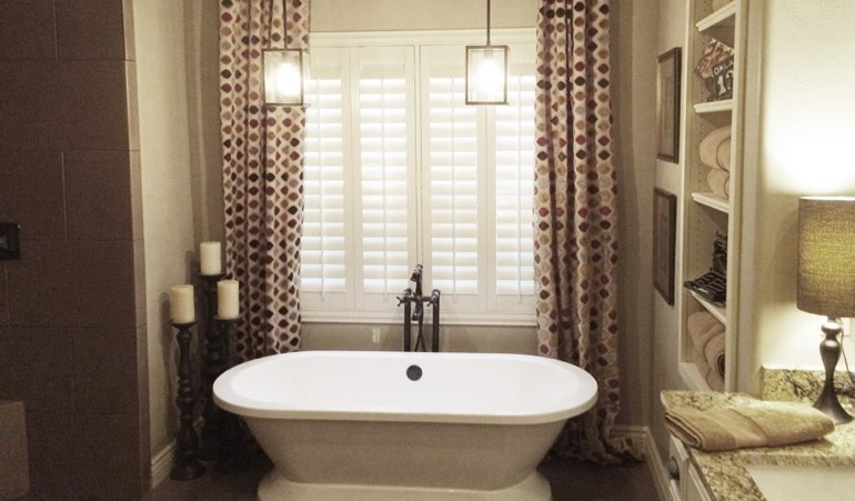 Polywood Shutters in Minneapolis Bathroom